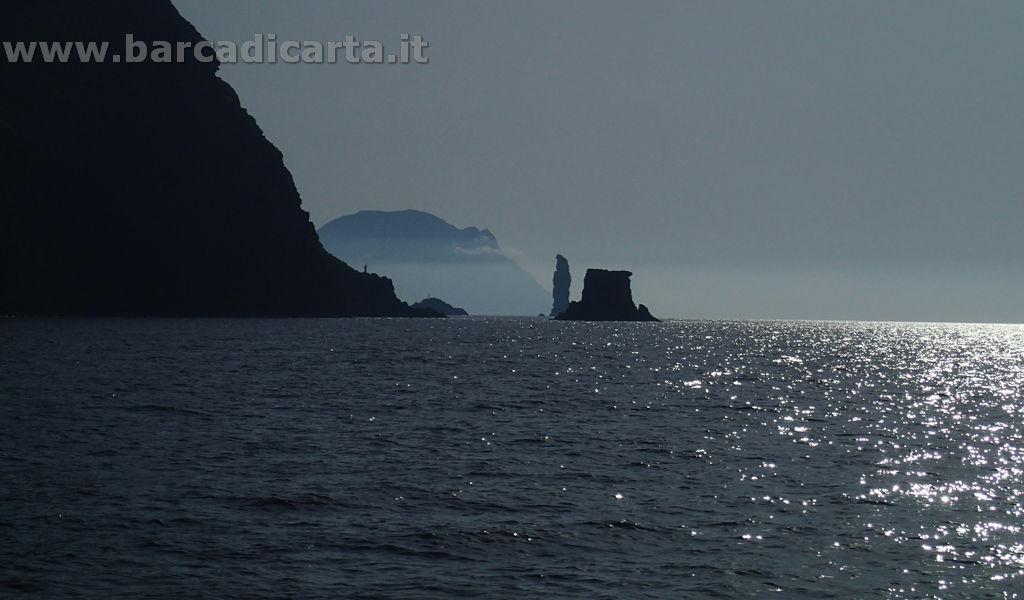 Isole Eolie - Navigazione tra Filicudi e Alicudi