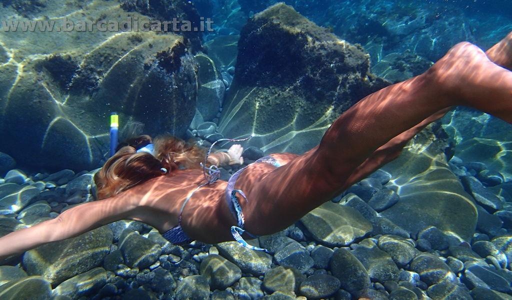 Sirena nel mare delle isole Eolie