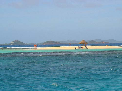 13caraibi-in-barca-vela-lingua-sabbia