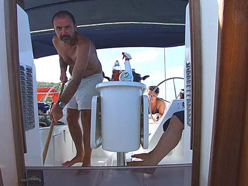 19-caraibi-in-barca-vela-pulizia-barca