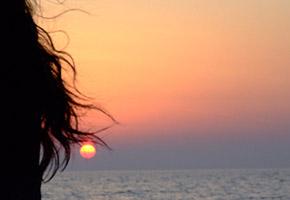 aperitivo al tramonto in barca a vela a Ostia Roma