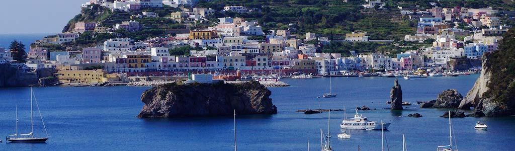 Week end a Ponza, il paese ed il porto
