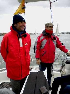 Lo skipper e l'ufficiale di bordo