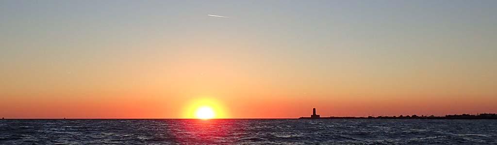 Aperitivo al tramonto in barca