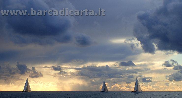 Vele al tramonto a Ostia